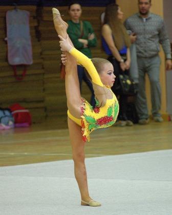 детская художественная гимнастка